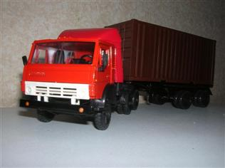helgi/43rd/kamaz-54112-container/front